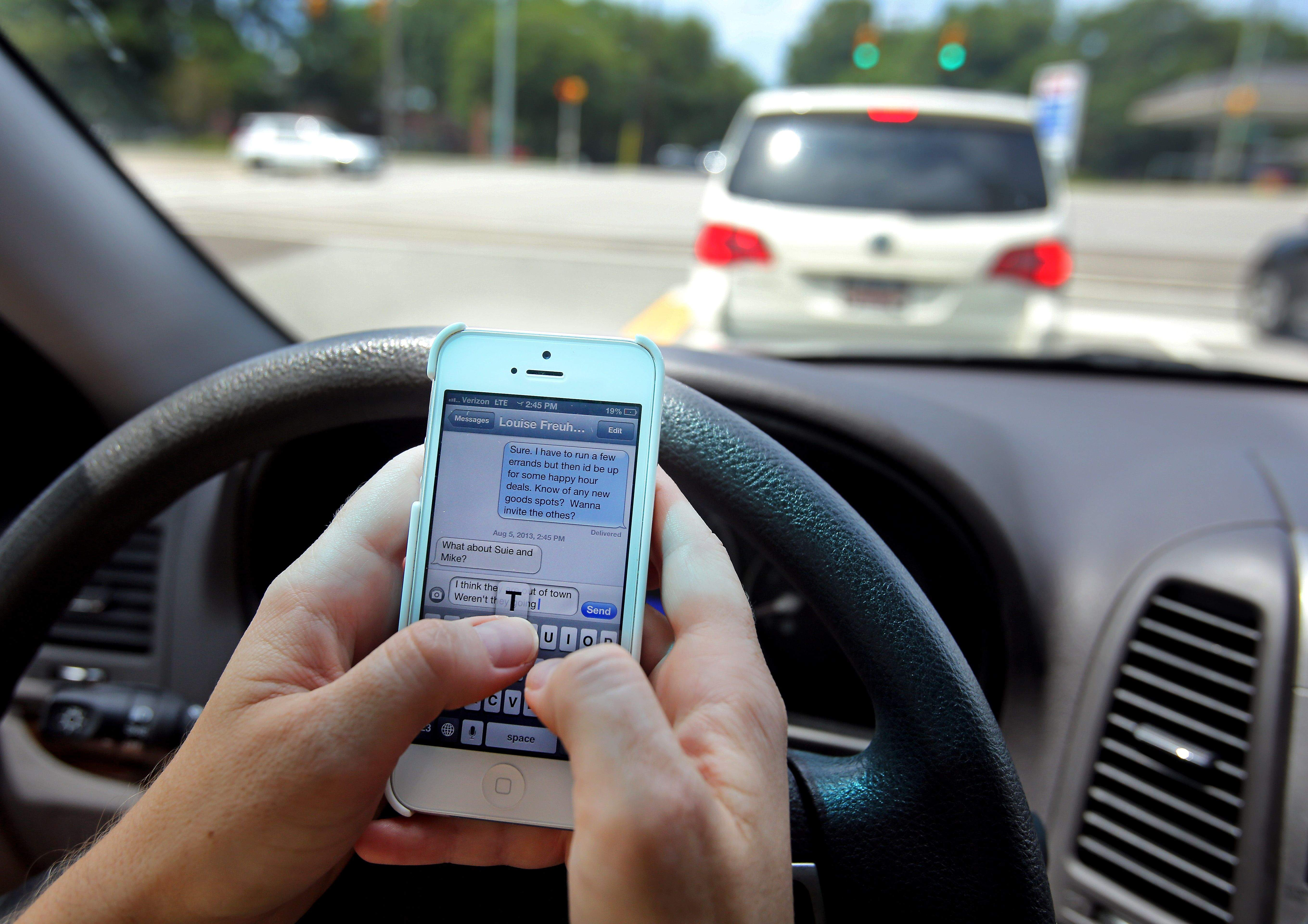 Texting While Driving >> Excellence In Employee Benefits Texting Driving Kills More